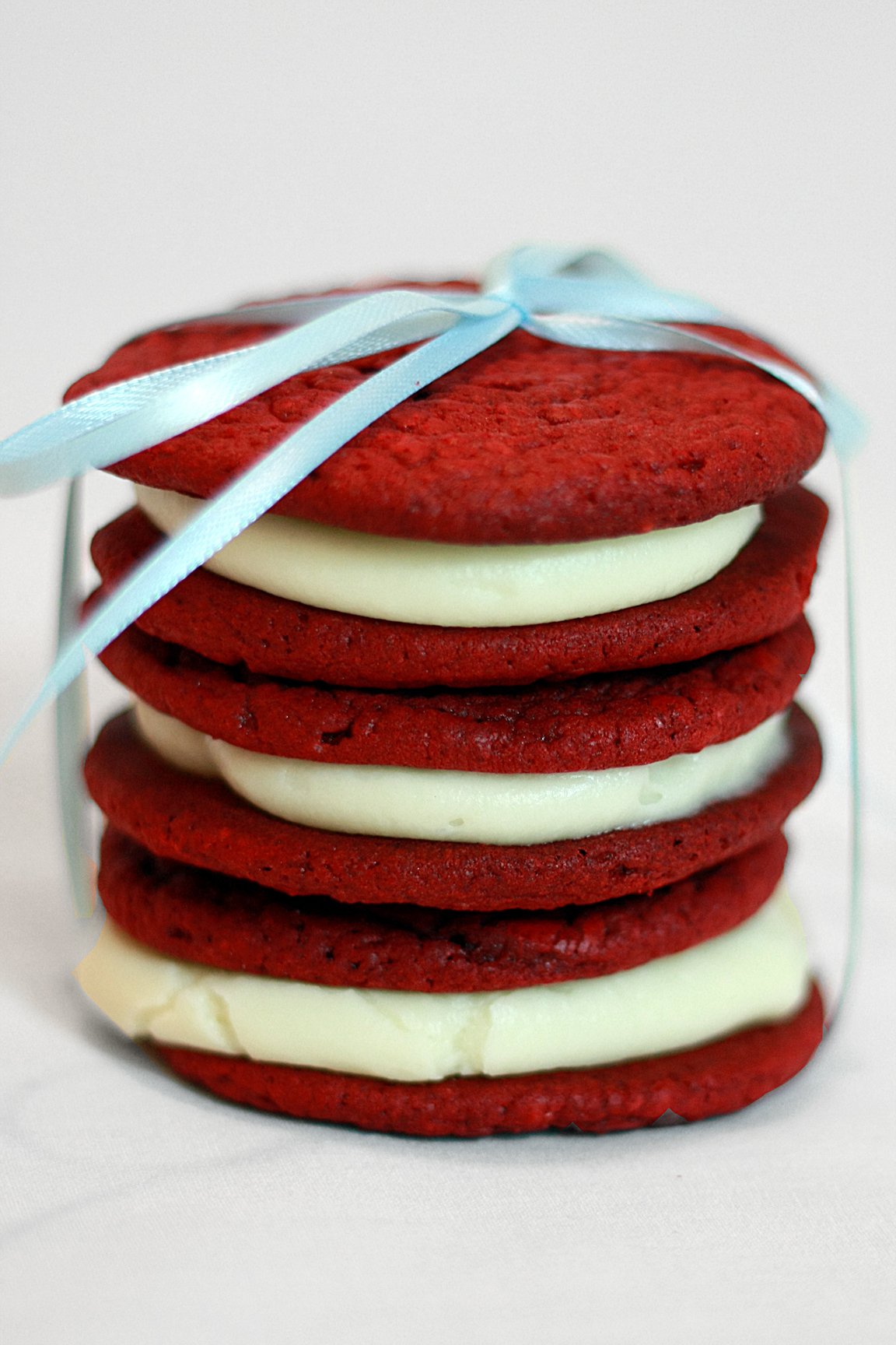 Runs With Spatulas: Want Some Red Velvet Whoopie Pies?