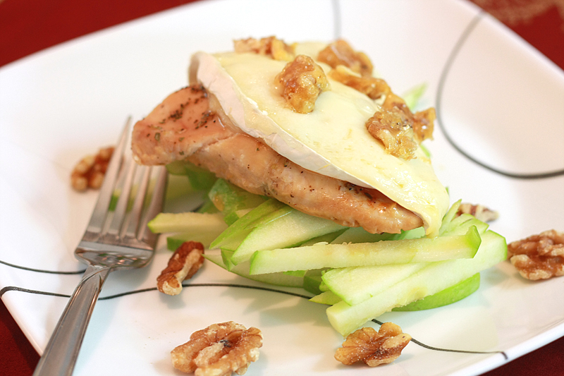 Runs With Spatulas: Chicken & Brie with Candied Walnuts and Apples