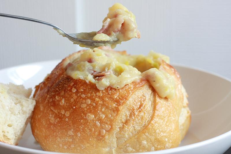 Runs With Spatulas: Creamy Potato & Leek Soup